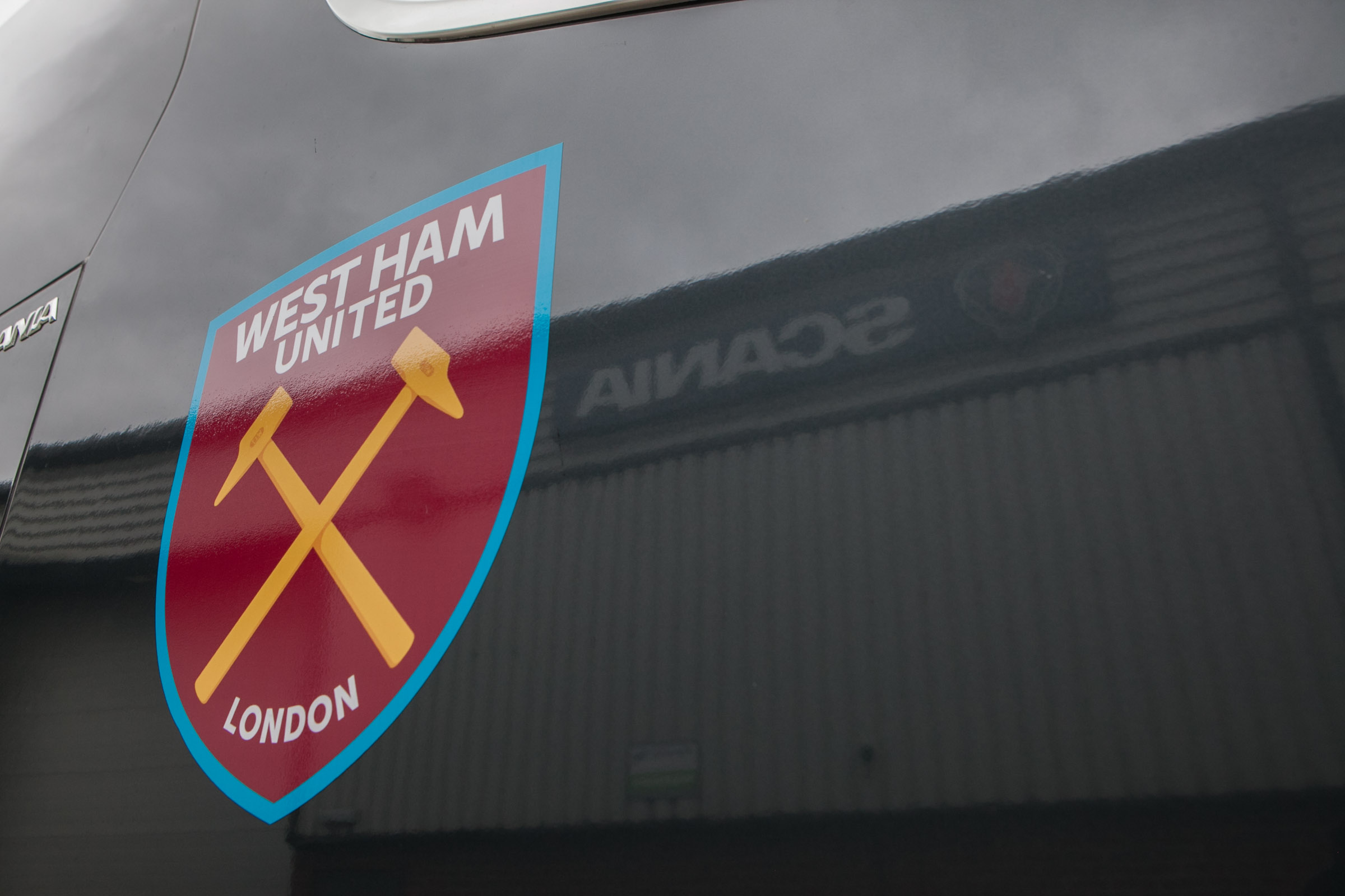 An image showing the West Ham United Football club's logo.