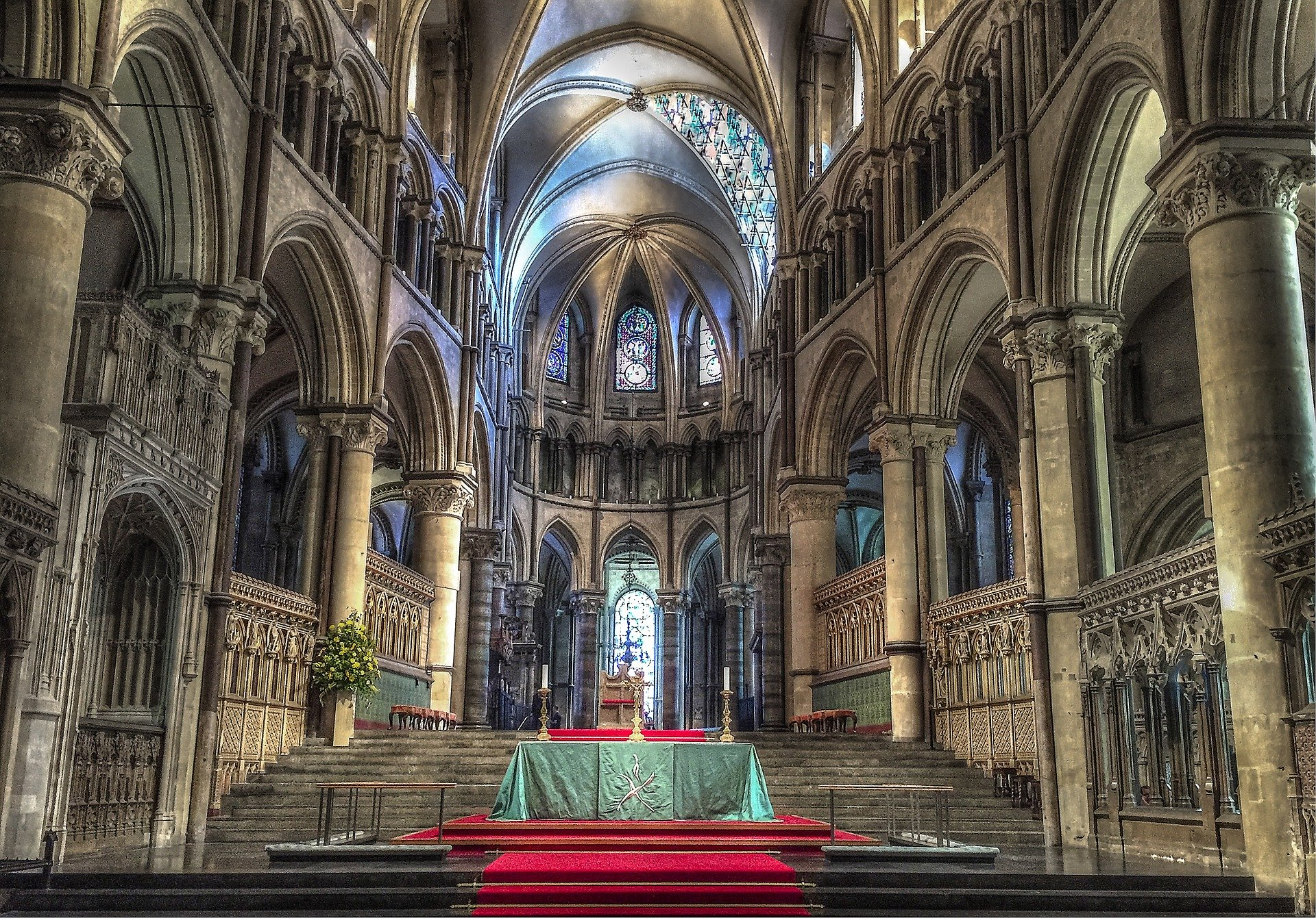 An image of the interior of Canterbury Cathedral